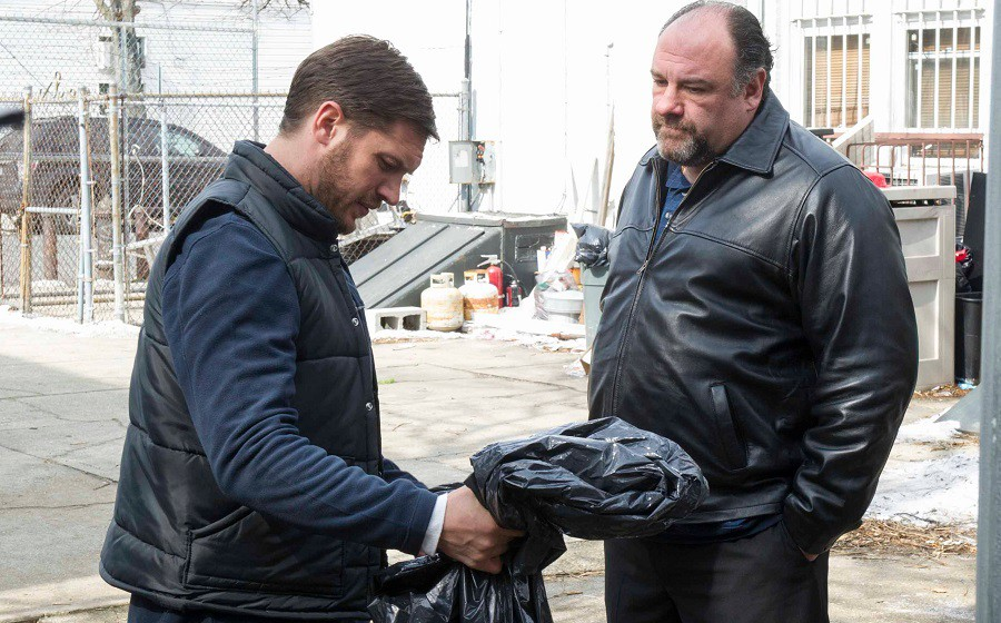 Tom-Hardy-und-James-Gandolfini-in-THE-DROP[1]